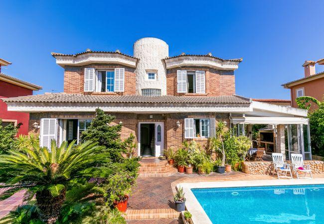 Ferienhaus-Palma-mit-Pool Krank unter Palmen? Kein Grund zur Sorge!