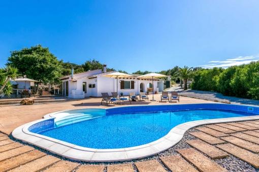 Finca-Capdepera-011123 Fincas auf Mallorca für unter 200 € am Tag mieten