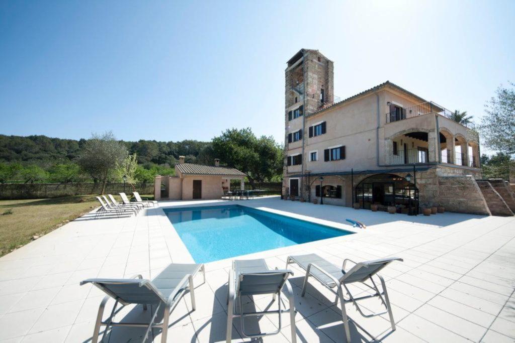 Mina-1024x683 Unsere außergewöhnlichsten Ferienimmobilien auf Mallorca