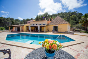 finca-la-perla-in-andratx-300x200 Wandern auf Mallorca - Die Schönheit der Insel aktiv erleben
