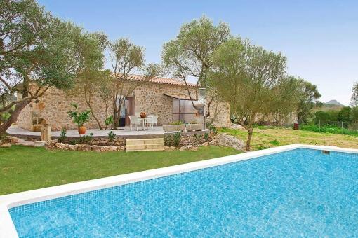 finca-son-alcaines-mit-pool-in-sineu-1 Spargel - Lebensmittel des Monats auf Mallorca